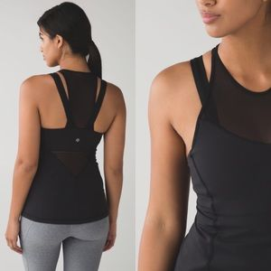 Lululemon Running In The City Tank in Black